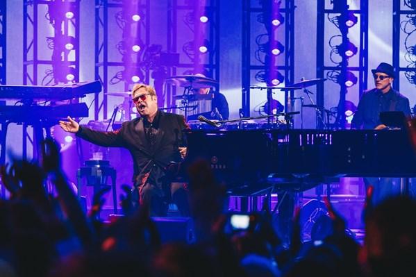 Apple Fest / Elton John