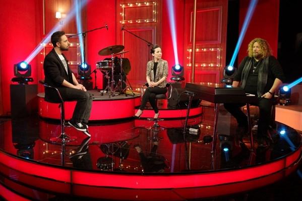 İskender Paydaş & İpek Açar (Kral POP TV Akustik)