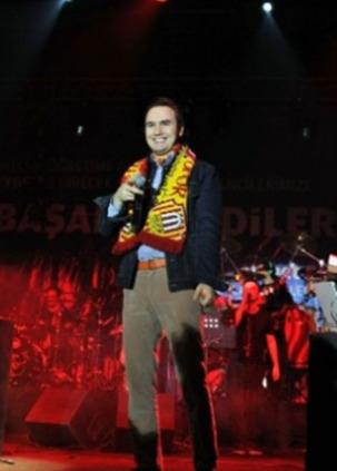 Yeni Şarkısının Başarısını Malatya'da Kutladı