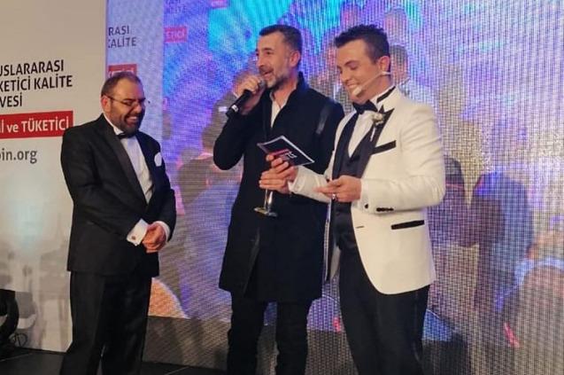 Afrikalı Ali'ye Yılın En İyi Radyocusu Ödülü!