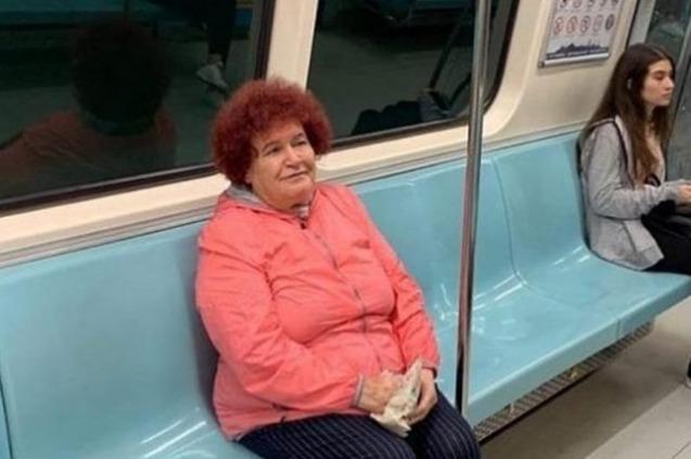 Selda Bağcan Metroda
