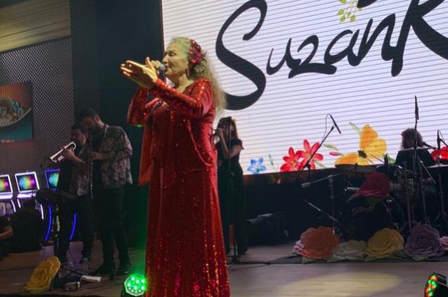 Suzan Kardeş Bulgaristan'da Konser Verdi
