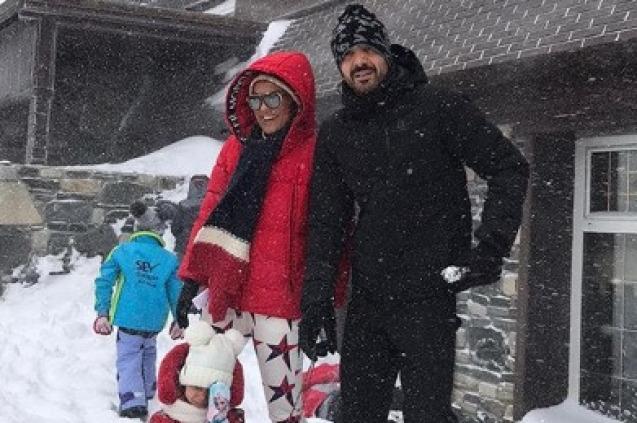 Demet Akalın ve Ailesi Kar Tatilinde!