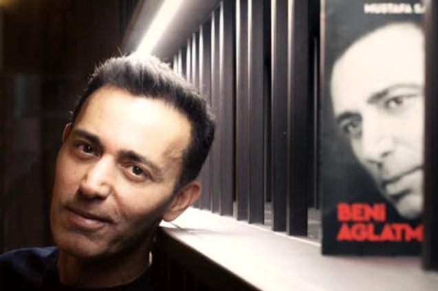 Mustafa Sandal Hayatını Yazdı...