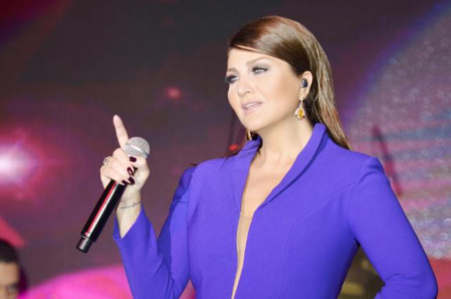 Sibel Can, Kıbrıs'ta Sevgililer Günü konseri verdi