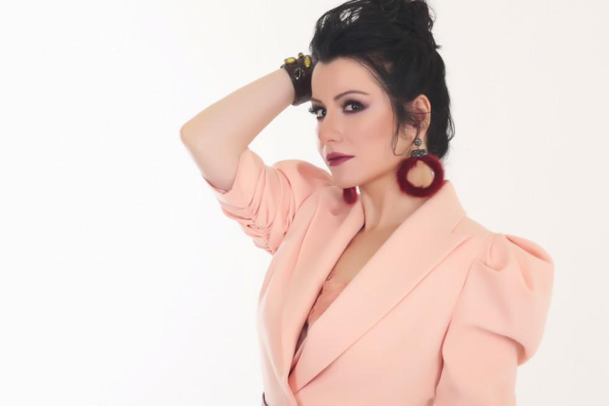 Sibel Mirkelam'dan Yeni Şarkı