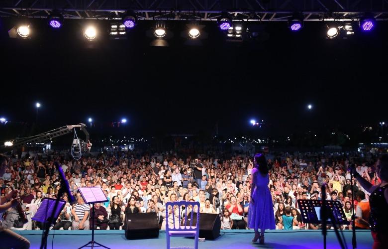 İpek Açar Maltepe'de Konser Verdi!