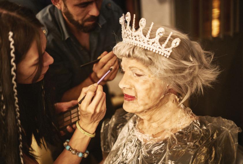 Ozan Doğulu Kraliçe Oldu!