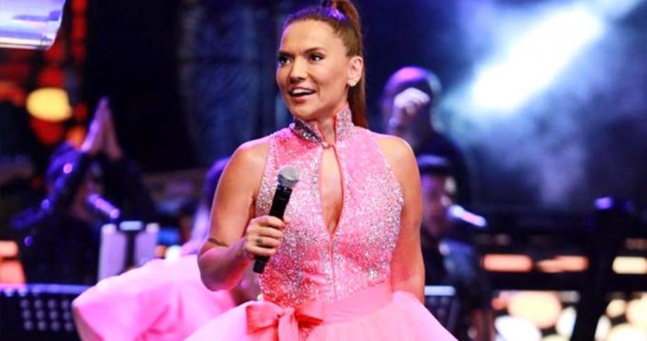 Konser Gelirini Mehmetçik Vakfına Bağışladı