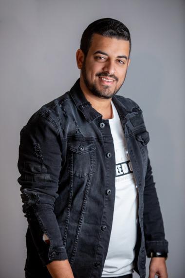 Yemenli Sanatçı Eliya Vahav'dan Türkçe Şarkı